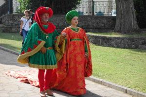 CASTELLO - Spiega bandiera con colori rosso-verde